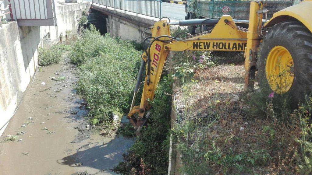 Radnici Stambeno komunalnog očistili potoke pred sezonu kiša